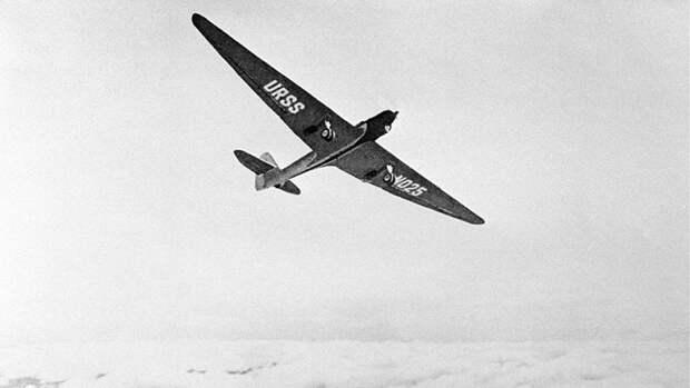 Самолет АНТ-25, на котором в 1937 году Валерий Чкалов совершил беспосадочный перелет через Северный полюс в Америку