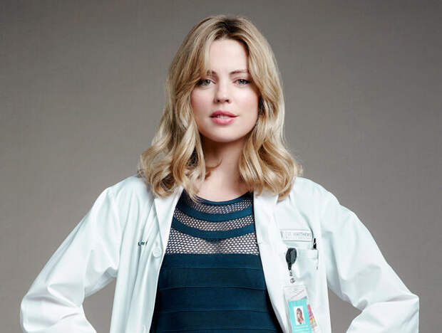 Мелисса Джордж в образе кардиолога Алекс Пэннтьер