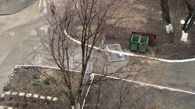 Водителя, который снес ворота детского сада, нашли вРостове