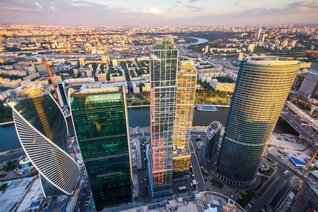 Двух руферов-туристов сняли с 84-го этажа башни «Москва-сити»