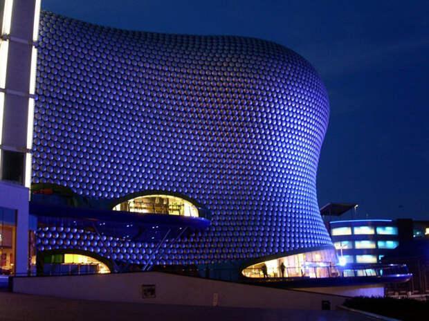 """Самые эффектные архитектурные сооружения, """"оживающие"""" с наступлением ночи"""