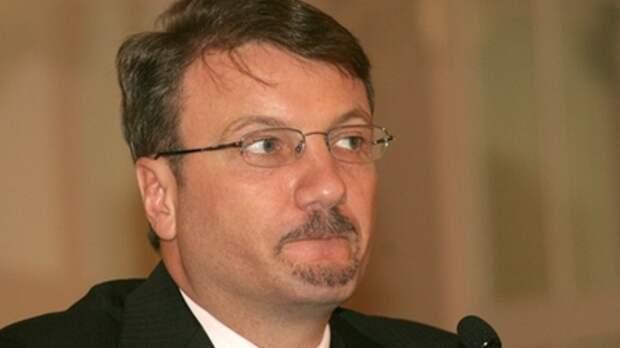 Греф хочет подсадить всю Россию на кредиты: Многоходовочку Сбера разложил экономист