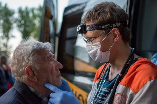 В Петербурге появился медицинский автобус для бездомных