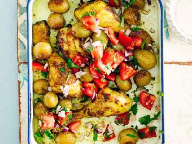 Карри с курицей и молодым картофелем – отличный вариант для семейного ужина