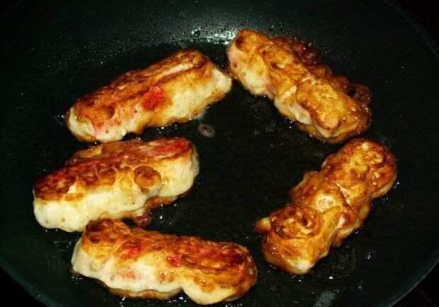 Крабовые палочки в кляре: перекус из простых продуктов