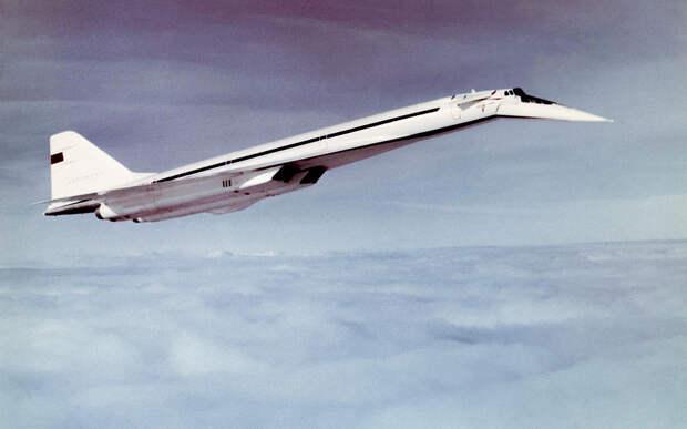 Гражданский сверхзвук: Ту-144 могут оснастить водородным двигателем