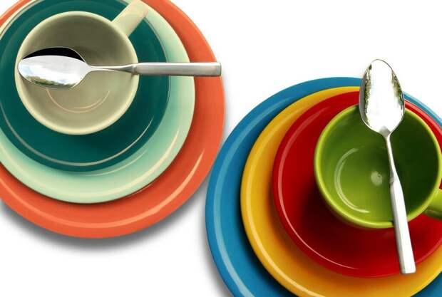 Обмануть аппетит легко: выбриаем посуду правильного цвета!
