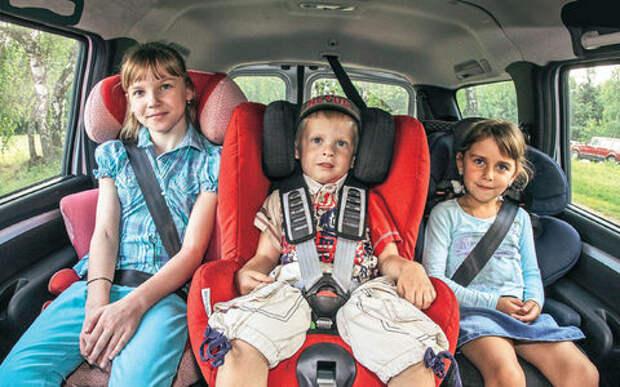 «Иные средства» для перевозки детей могут покинуть ПДД