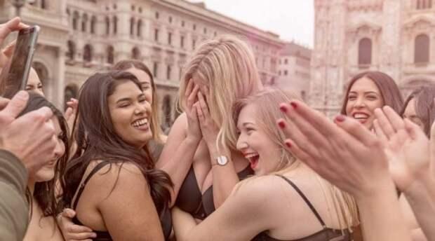"""Как буянили миланские толстухи против нетолерантности: """"агрессия"""" фитоняшек вывела обычных женщин на улицы Милана"""