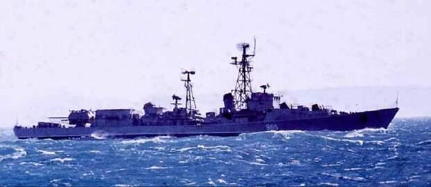 Почему в 1966 году советские моряки оказались в африканской тюрьме и как СССР отучил пиратов захватывать суда.