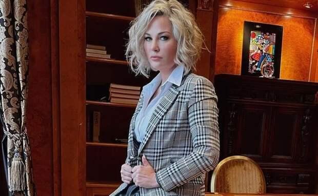 Максакова заявила, что ее матери запрещают общаться с ней