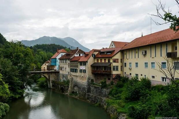 Škofja Loka (Шкофья-Лока) — самый красивый сохранившийся средневековый город в Словении