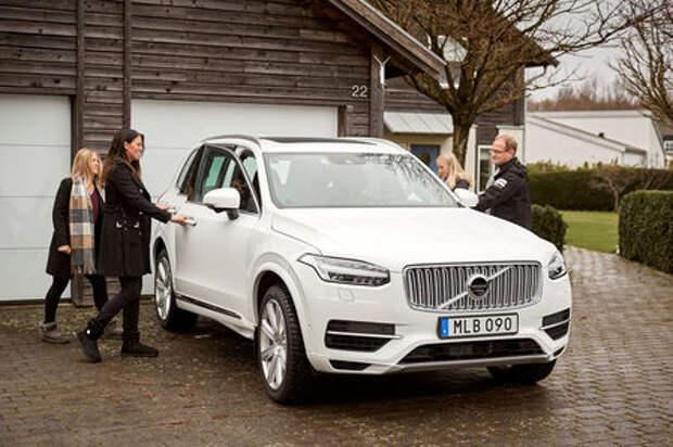 Volvo тестирует беспилотники на шведских семьях