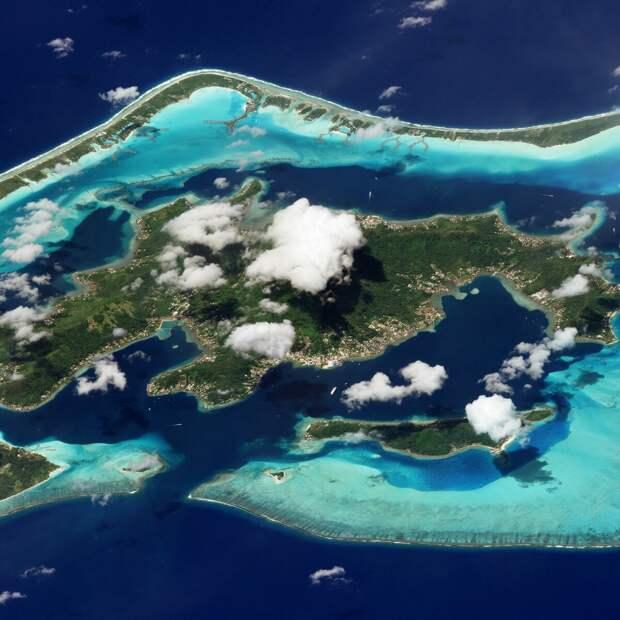 Бора-Бора, Французская Полинезия. 9 марта 2018 года. Изображение ©2018 Planet Labs, Inc. cc-by-sa 4.0.