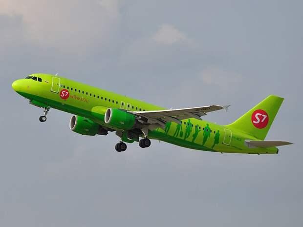 Пассажирский самолет подал сигнал бедствия над Удмуртией