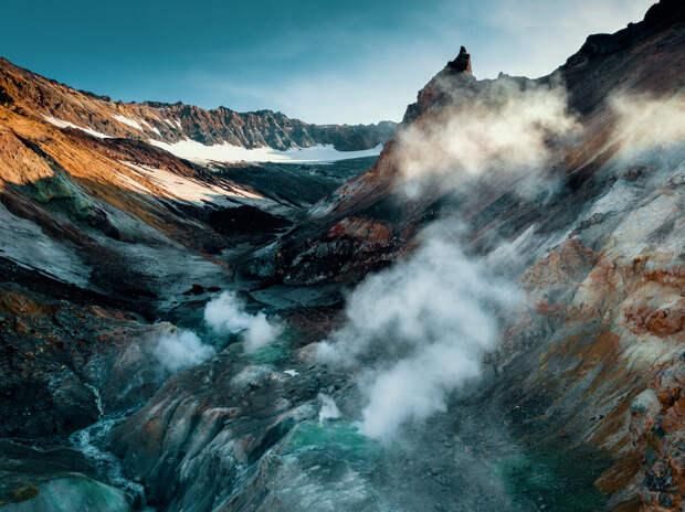 Камчатка. Кратер Мутновского вулкана