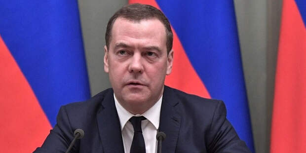 Медведев вспомнил цитату Фрейда, говоря о Байдене