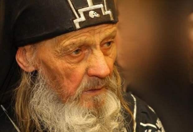 Монах, предсказавший войну в Донбассе, раскрыл ее финал и «страшный удар», а также судьбу Украины и России