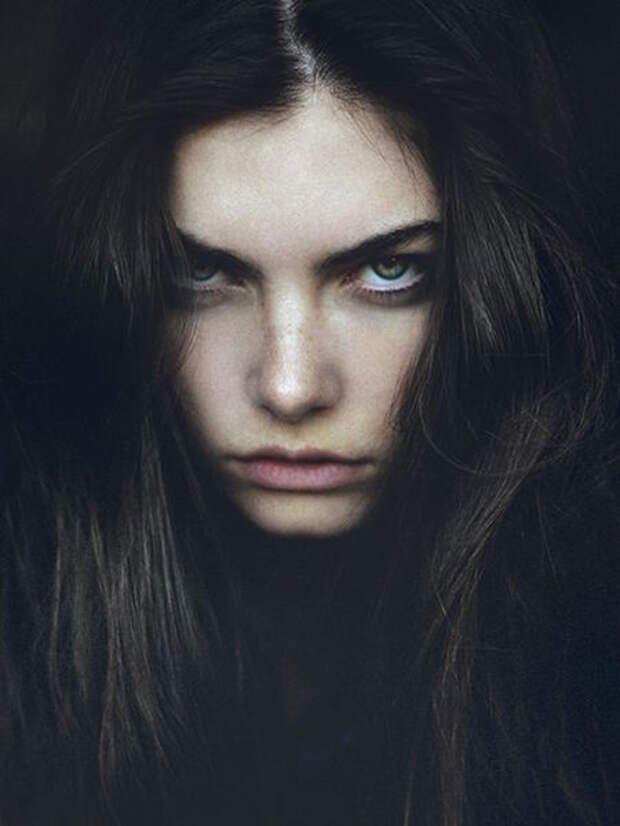 11 признаков того, что ваша личность настолько сильна, что отпугивает окружающих