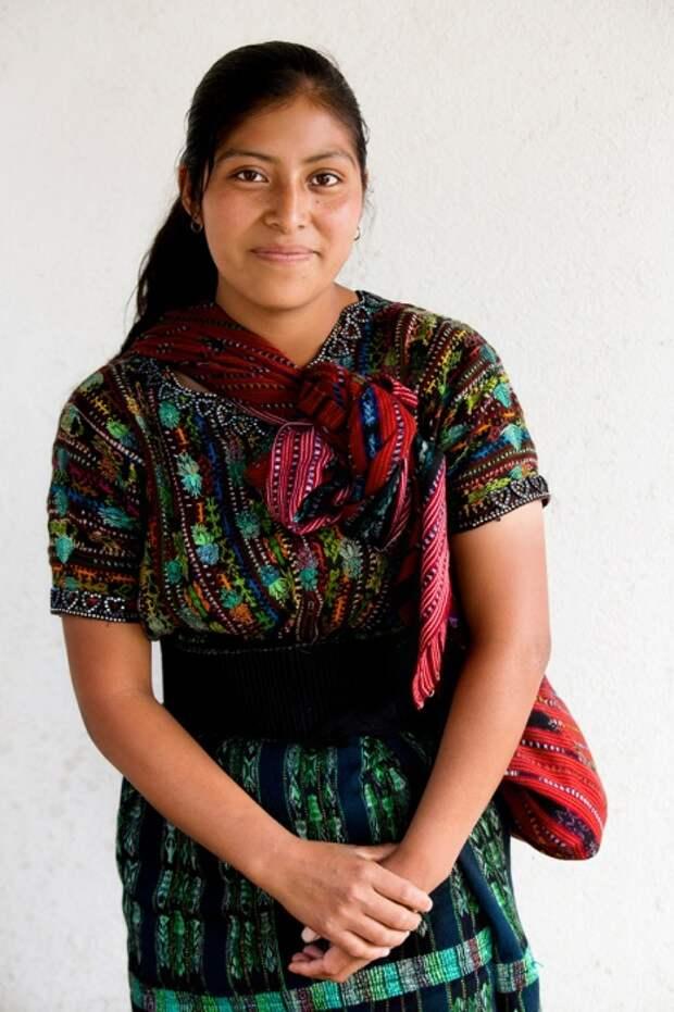 Девушка из народа Какчикели (Майя), Солола, Гватемала. Автор: Александр Химушин.