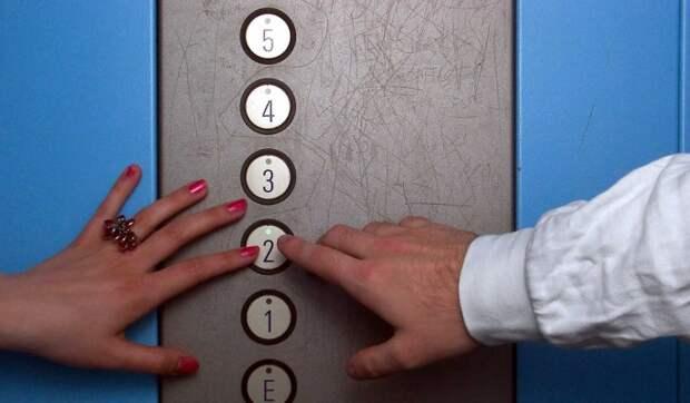 Лифт с двумя женщинами сорвался вниз на востоке Москвы