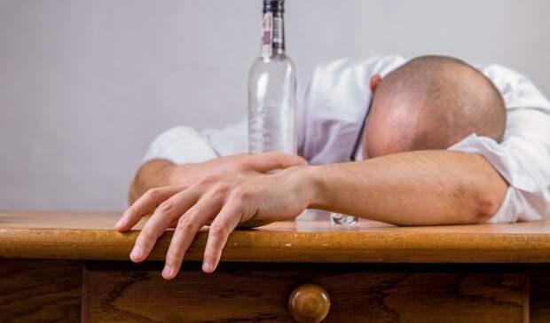 Тагильчанки добиваются выселения пропивающего вещи детей родственника