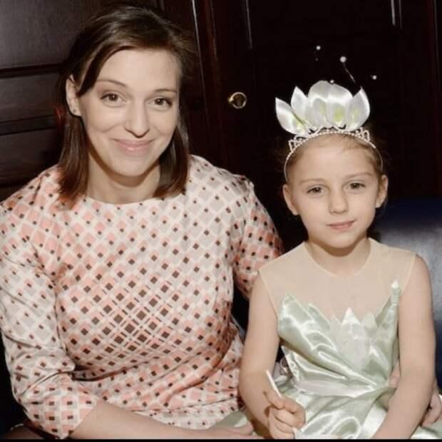 нелли уварова с дочерью