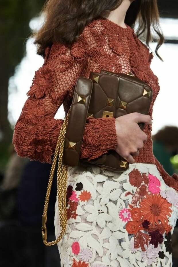 Стильные вязанные вещи из модных весенних коллекций