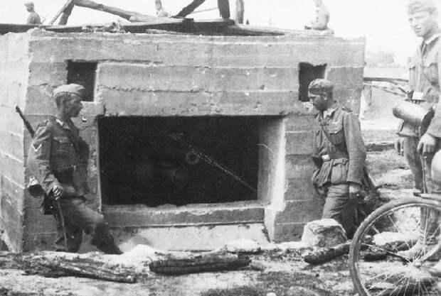 Зачем Сталин разрушил «советскую Линию Мажино» перед нападением Гитлера