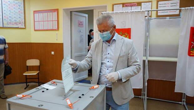Павел Максимович проголосовал в Подольске по поправкам в Конституцию