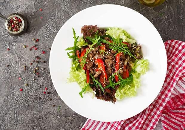 Легкий и сытный салат с говядиной