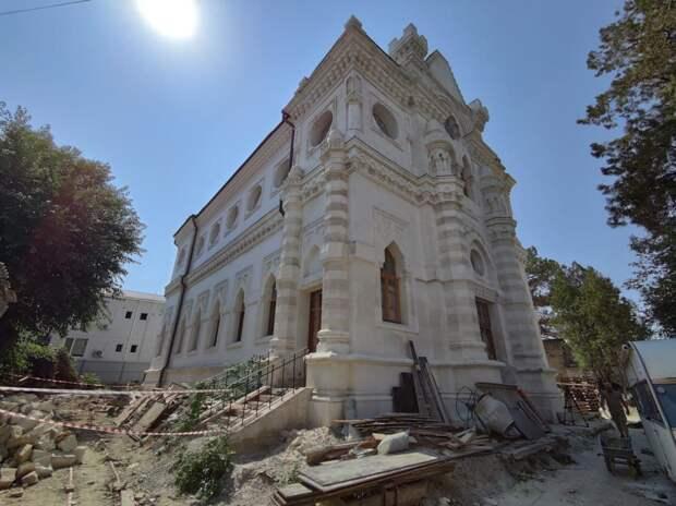 Продолжающаяся 5 лет реконструкция кенассы в Симферополе скоро закончится