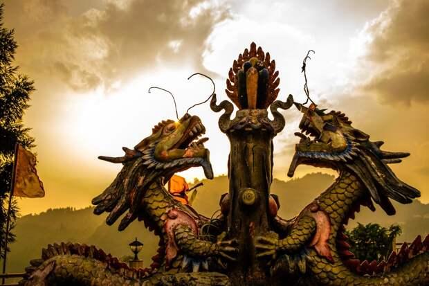 Китайский дракон готовится разорвать украинские шаровары