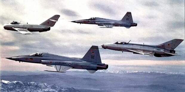 Советские братья-близнецы: почему мы копировали самолёты американцев