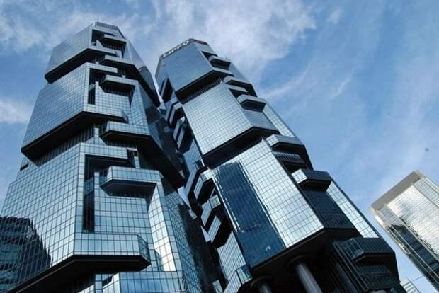 Курьезный случай связан с известным офисным комплексом Липпо в Гонконге