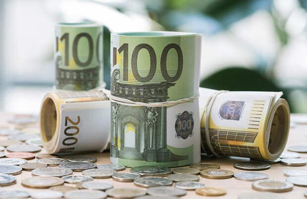 «Громадные деньги — это миллиарды». Как Германия и Франция переживут новый карантин?