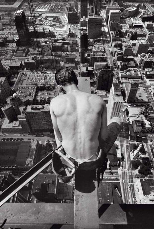 Строительство небоскрёба Хэнкока в Чикаго, 1969 год.