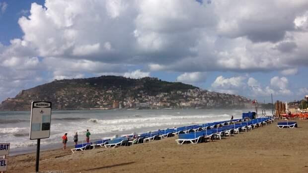 Британские СМИ неудачно попытались обвинить россиян в страданиях туризма Турции