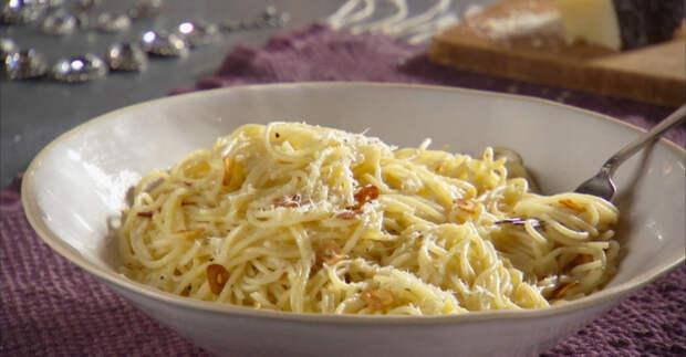 Спагетти с тремя видами чеснока