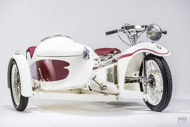 Величавый красавец, мотоцикл, раритет