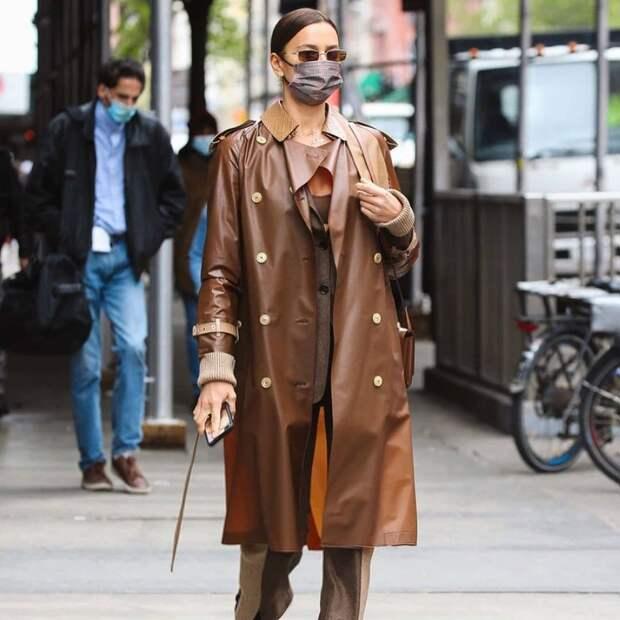Кажется, Ирина Шейк нашла самый стильный дождевик