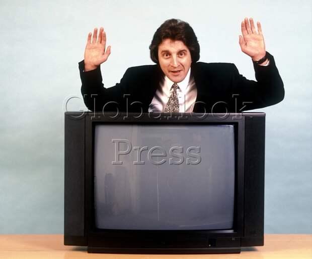 Нападение на телеведущую прямо в эфире румынского ТВ многие сочли рейтинговым трюком