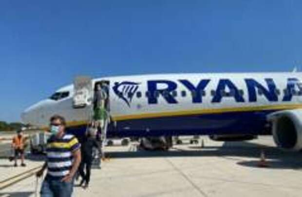 Немецкие туристы покидают Испанию