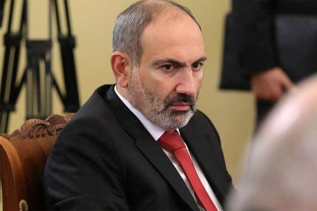 Пашинян заявил о нарушении азербайджанскими военными границы Армении