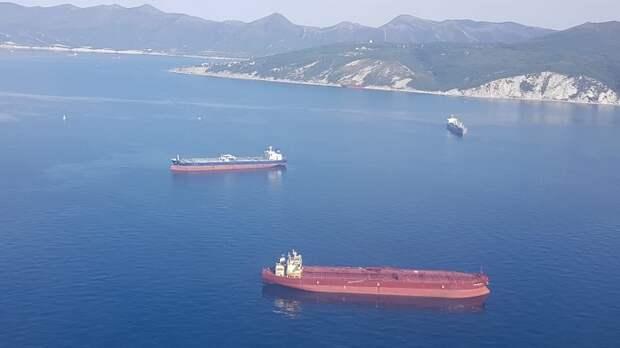 Медики Кубани готовы помочь экипажу взорвавшегося в море танкера
