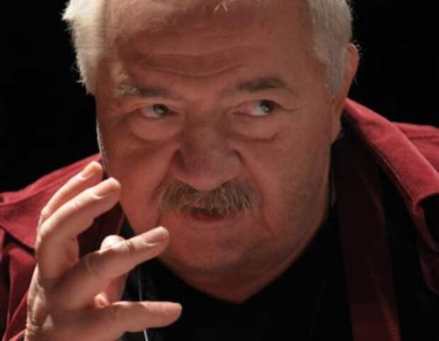 Грузинского режиссера Роберта Стуруа обвинили в поддержке домашнего насилия