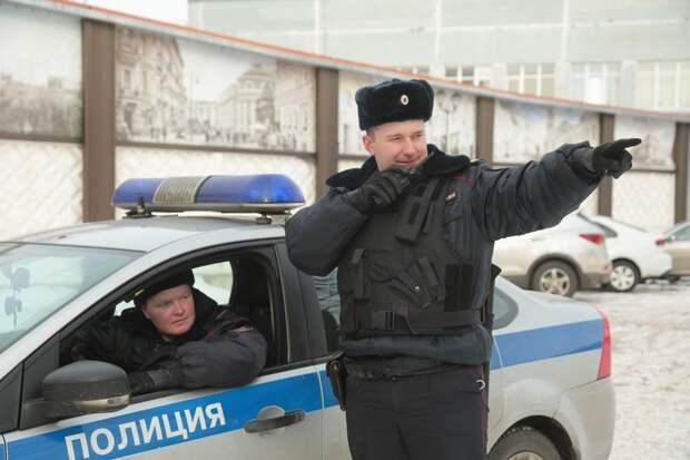Старшие сержанты полиции Евгений Кротов и Роман Ликанов (слева направо)/ фото Андрей Дмытрив