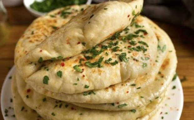 Турецкий хлеб Базлама: буханку из магазина заменяем за 7 минут на домашние лепешки