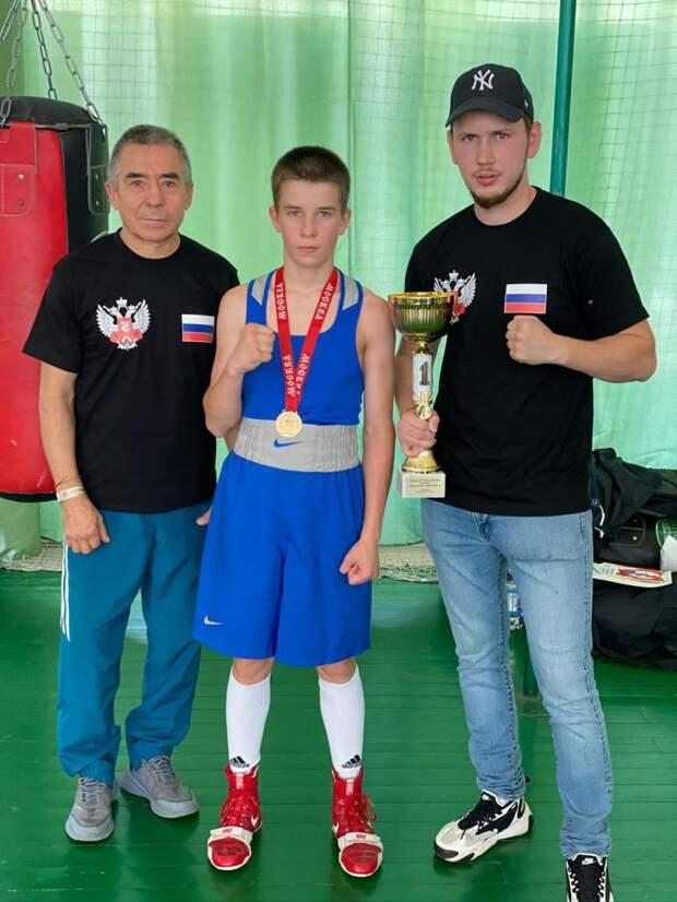 Молодой боксер из Южного Тушина победил на первенстве Москвы