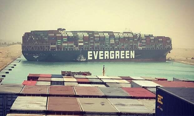 Суэцкий канал заблокирован, мировую экономику спасет Северный морской путь